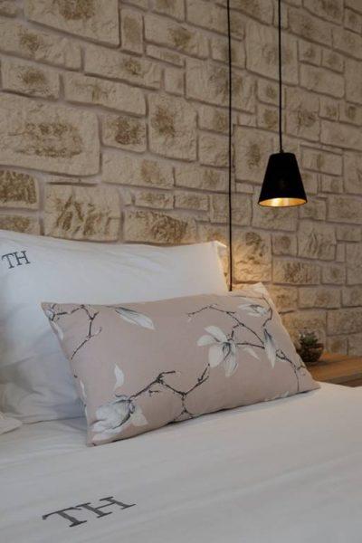 Standard Studio for 3 Persons -Pillow and Lamp - Terezas Hotel in Sidari